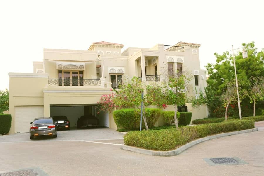 Furnished 6 BR villa For sale  in  Al Barari