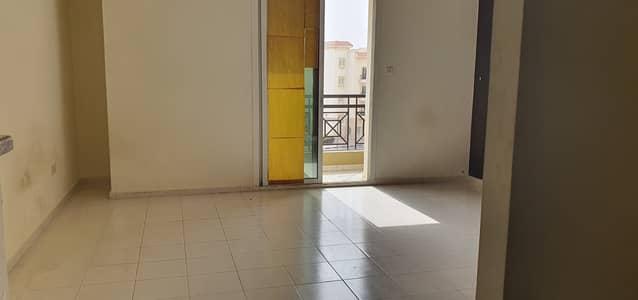 استوديو  للايجار في المدينة العالمية، دبي - عرض خاص !!! استوديو في اليونان الكتلة مع شرفة للإيجار بسعر رائع