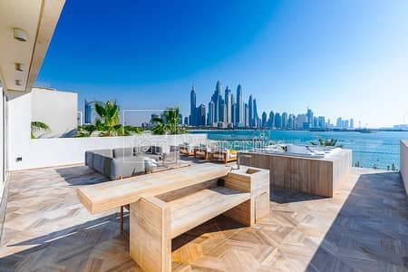 5 Bedroom Flat for Sale in Palm Jumeirah, Dubai - Epitome of Luxury Home w/ Superb Views!!