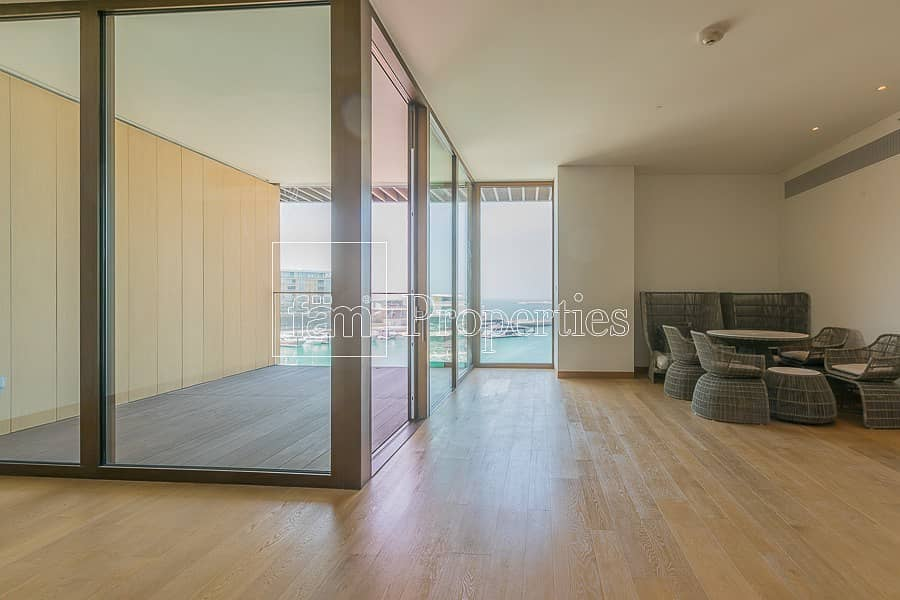 22 Marina View High Floor Brand New End Unit