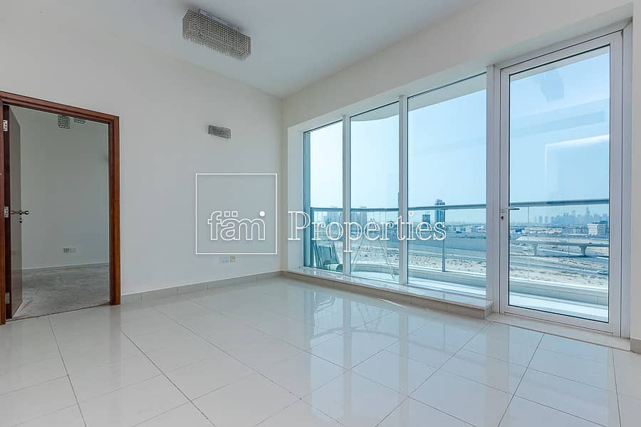 Vacant | Ice Hockey | Spacious One Bed for Sale