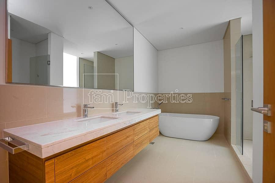 10 Six Bedrooms | Pool + Garden | No Agents