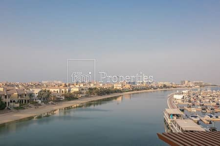 Palm Jumeirah ! Palm views ! Studio apt facing sea