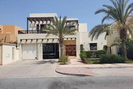 4 Bedroom Villa for Sale in Palm Jumeirah, Dubai - 4Br Atrium Entry | Atlantis Views | Vacant