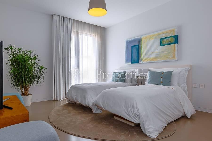 2  Beachfront Modern Stylish Apartment