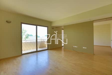 3 Bedroom Townhouse for Rent in Al Raha Gardens, Abu Dhabi - Lovely Single Row 3 BR Type A Well Maintained For Rent