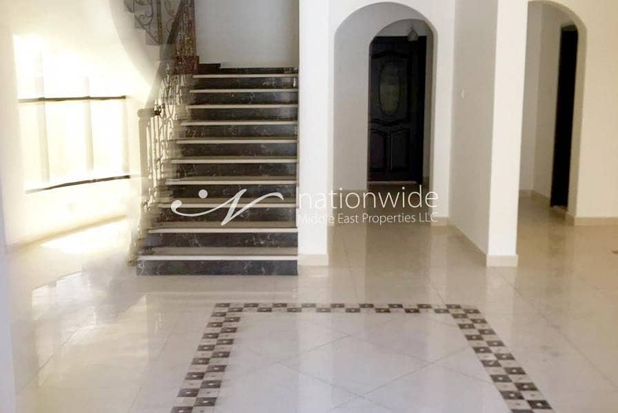 2 Gorgeous Villa in a Compound with Parking Space