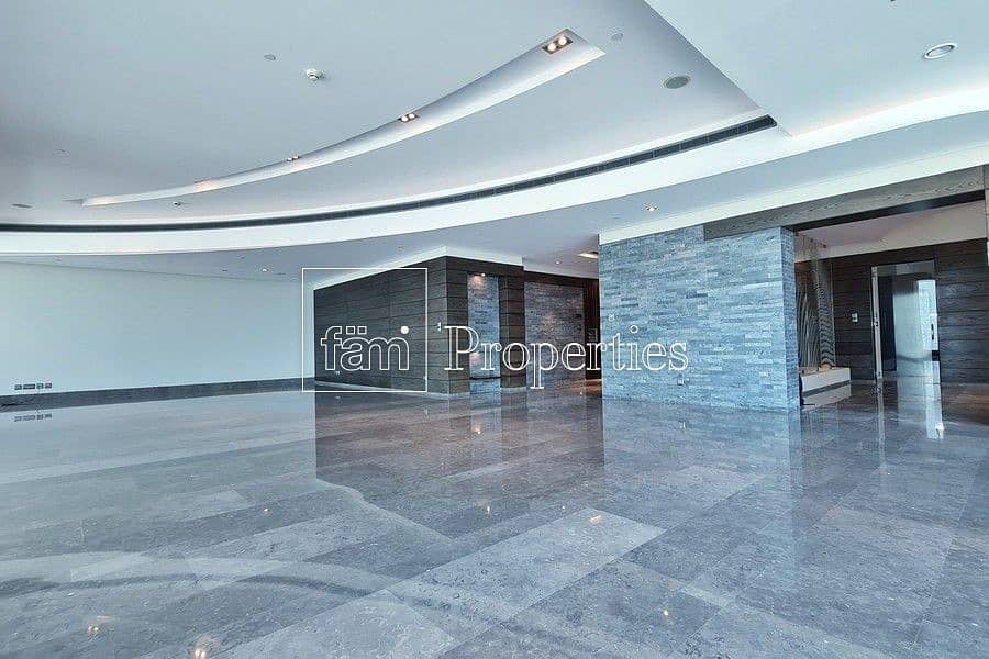 2 EXCLUSIVE Immaculate Contemporary Half-Floor Flat
