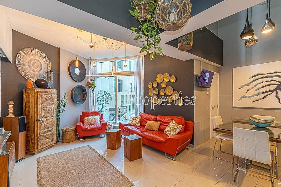 2 Tastefully Furnished 1BR Duplex with Backyard