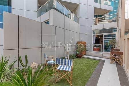 1 Bedroom Flat for Sale in Dubai Marina, Dubai - Tastefully Furnished 1BR Duplex with Backyard
