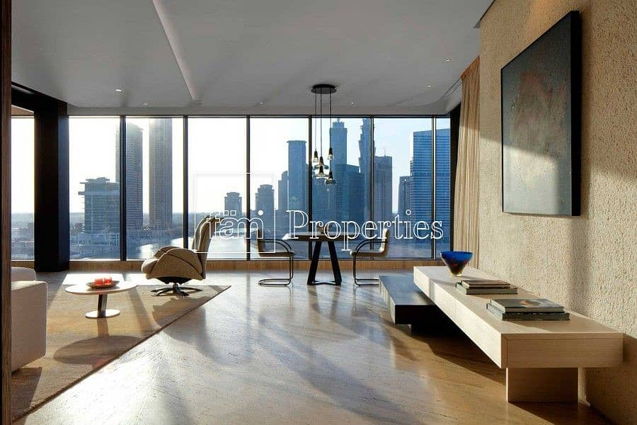 19 EXCL. Full-Floor Fully Furnished HIGH END DESIGNER