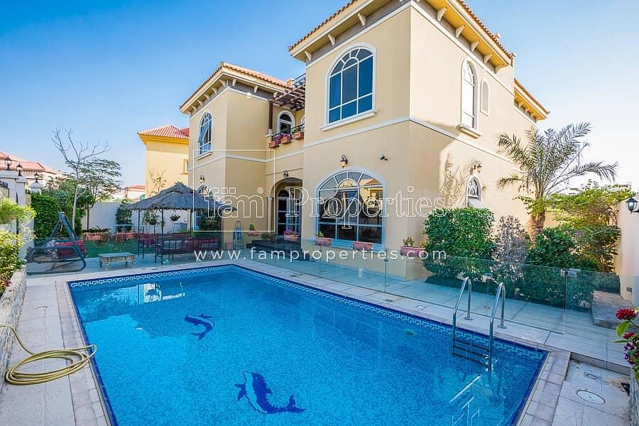 Custom Spacious All En-Suite Pool Park Vacant