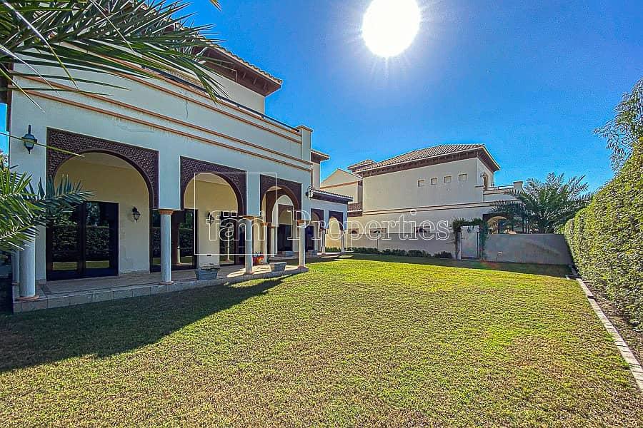 Spacious 5 BR Granada  Great Location  VACANT
