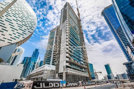 1 Bedroom Apartment for Sale in Business Bay, Dubai - Mid Floor | Facing SZR | Canal View