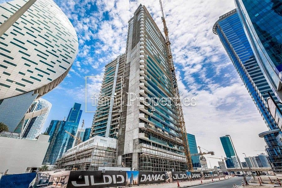 Mid Floor | Facing SZR | Canal View