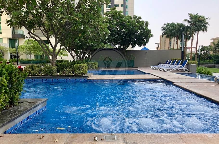 10 Fully furnished apartment on a high floor