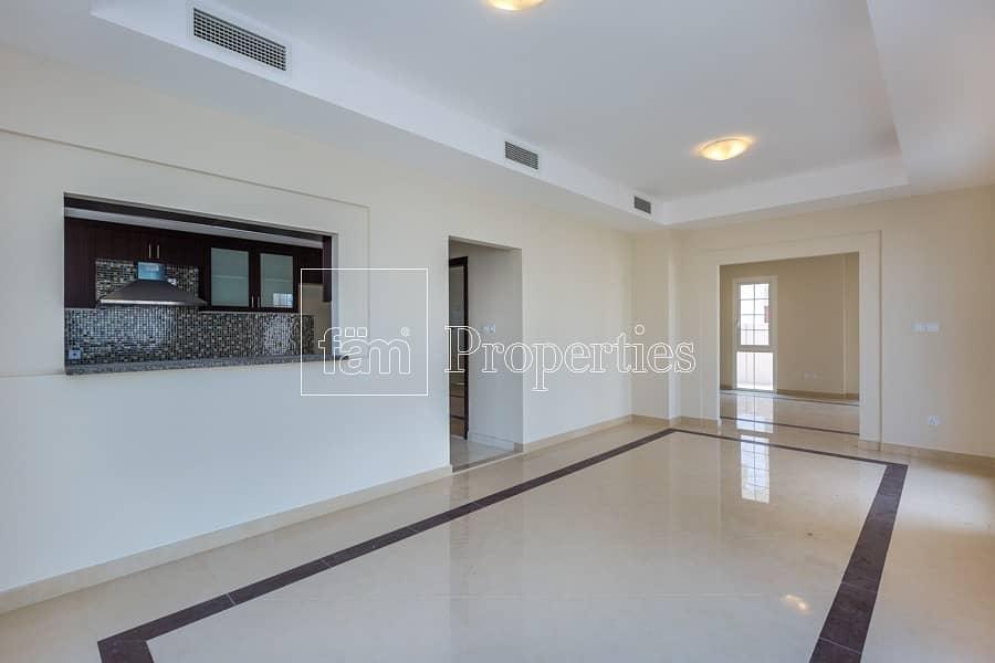 Exclusive! CORNER Huge Plot Single Row 3BR Villa!