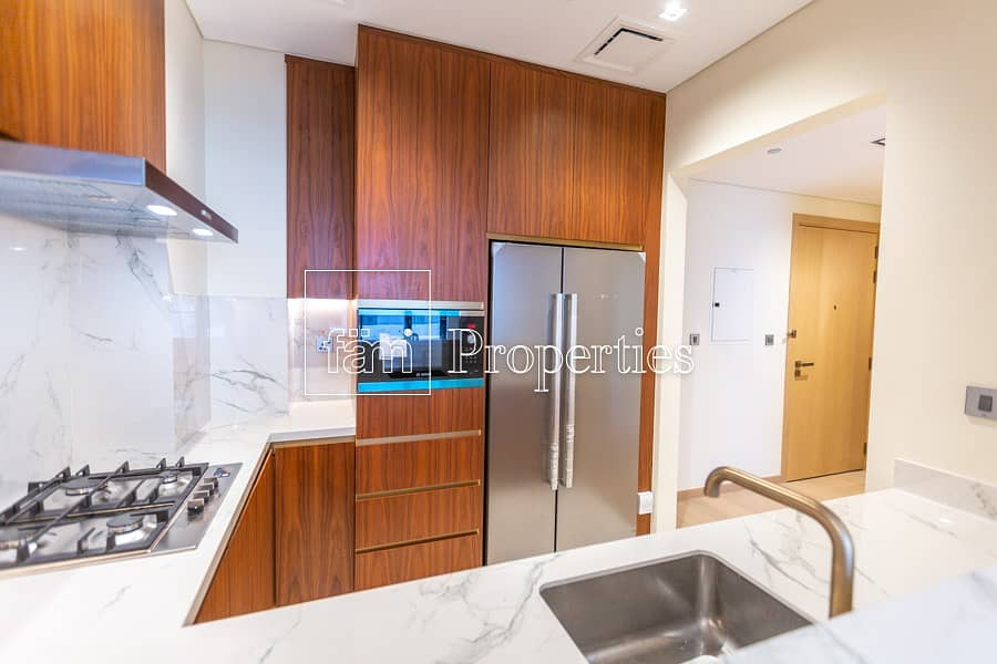 20 spacious 1 bed- Luxury living in Downtown