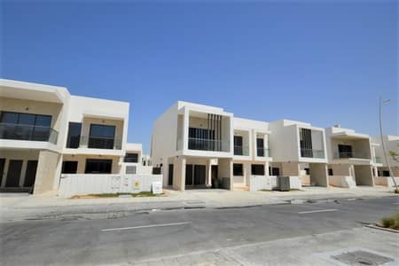 3 Bedroom Townhouse for Rent in Yas Island, Abu Dhabi - Amazing Single Row Townhouse  Ready To Move in!!