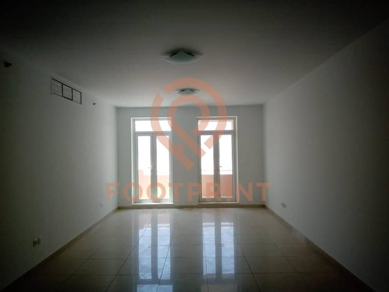 Close Kitchen with Balcony 3 Beds + Maid