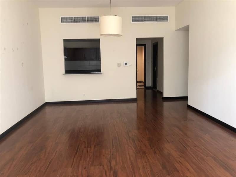 2 Bed Apt In A chiller free Building Green Lakes JLT
