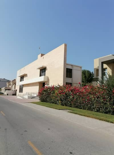 Villa for Rent in Al Safa, Dubai - Huge & Spacious | Suitable for Nursery / Clinic / Restaurants / Big office | 19 BED Villa with Servant quarters | on Al Wasl Road