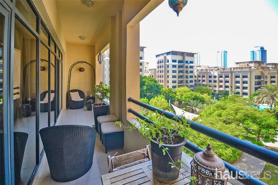 2 Stunning Views | 3 Bed Upgraded | 1