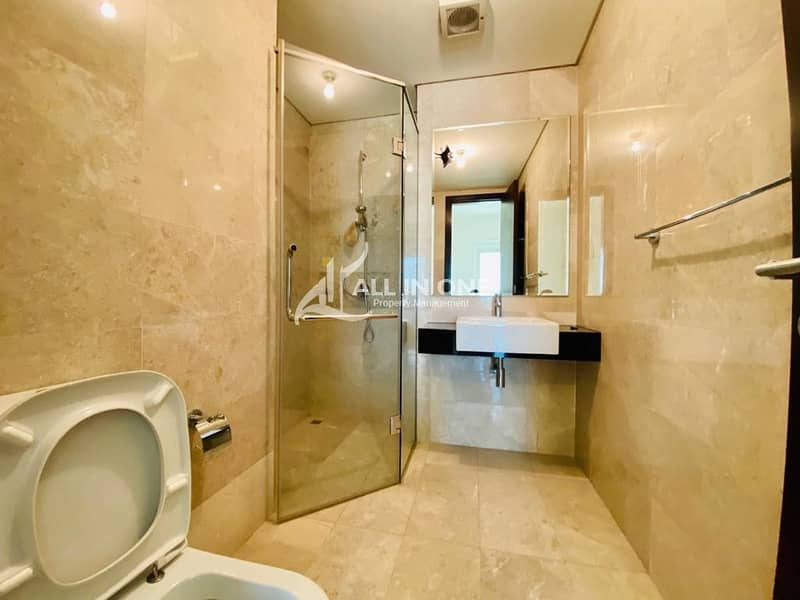 23 Stunning 3 BR/ with Facilities
