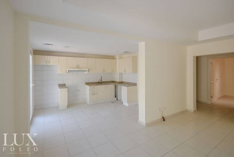 Great Loctaion |2 Bed| Sunny Garden|Springs 2 |