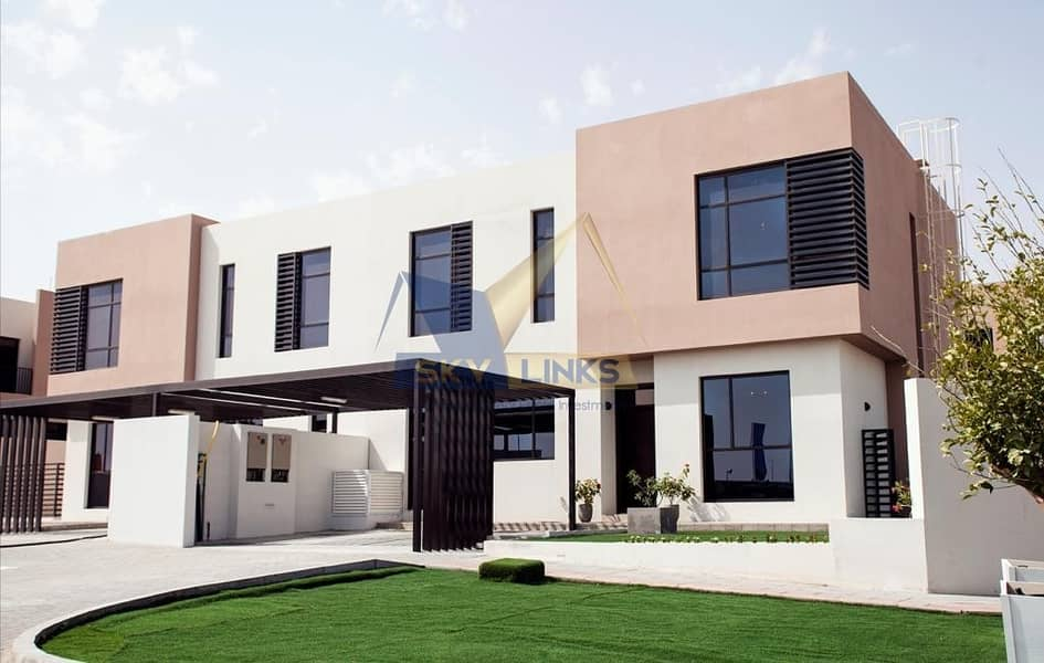 2 Brand new !!Near Ready 4 Bedroom Plus Maid Room Villa - with Free service charge for lifetime