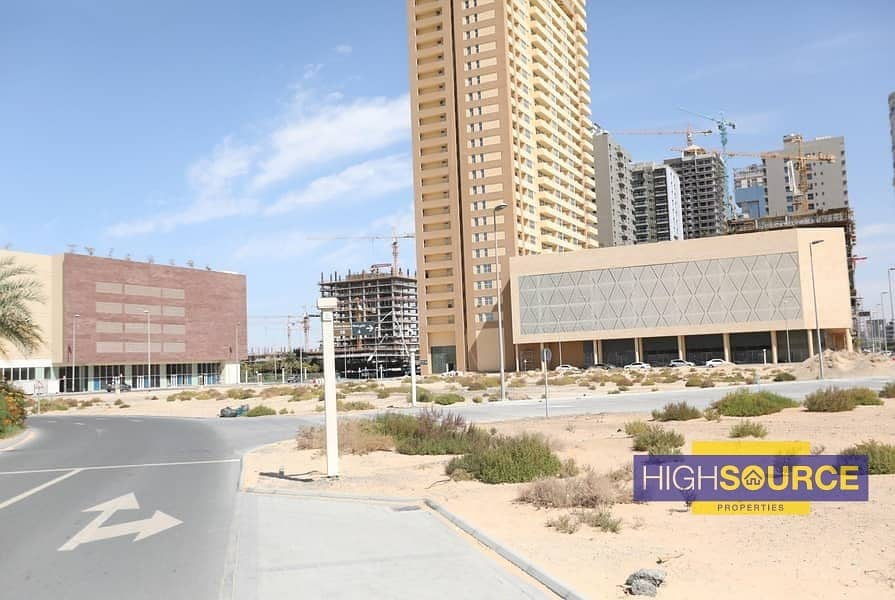 11 Luxury Furnished|Ready to Move|3 beds apartment with Payment Plan..!