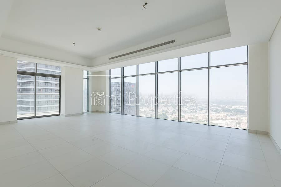 Stunning Views from Very Spacious Apartment