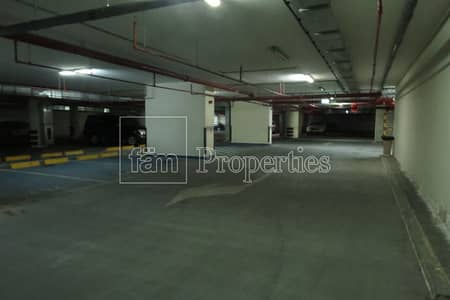 Shop for Sale in Business Bay, Dubai - Multiple Parking Spots Available for Investments