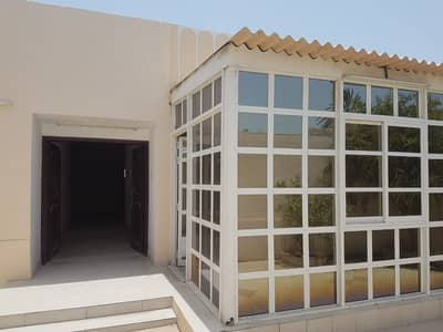 For sale house in Al Ghafia area / Sharjah corner and the second block from main street