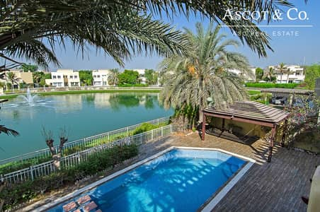 5 Bedroom Villa for Sale in The Meadows, Dubai - VASTU 5Bed |Lake View Vacant on Transfer