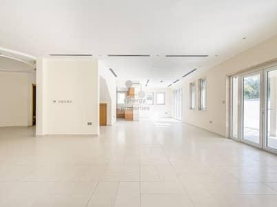 فیلا 5 غرف نوم للبيع في جميرا بارك، دبي - Exquisite  5bed Legacy Villa with Large Plot