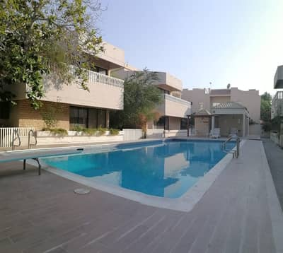 4 Bedroom Villa for Rent in Jumeirah, Dubai - LUXURY & SPACIOUS COMPOUND | 4 BR + MAID | SWIMMING POOL | OFFER PRICE