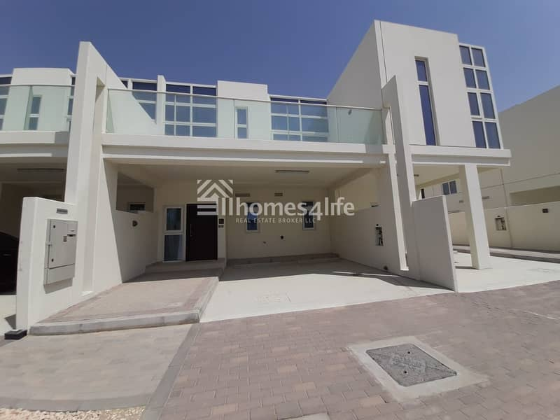3 BED + MAID'S | SINGLE ROW | CLOSE TO POOL