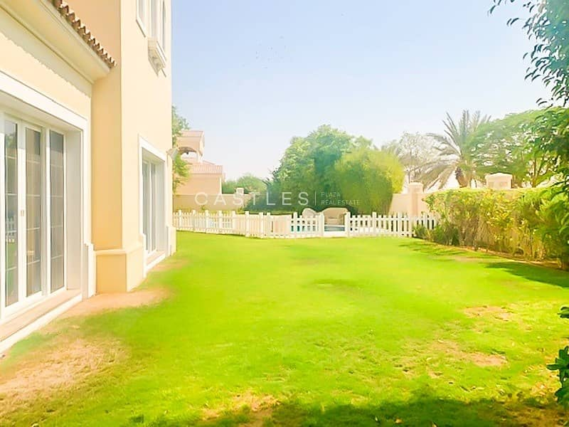 12 Spacious - 7 bed+maids+study Polo Homes