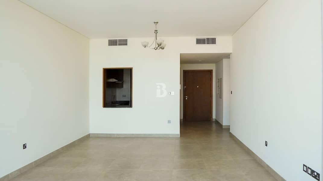 2 Huge 2 Bedroom + Study/ Maid's Apartment