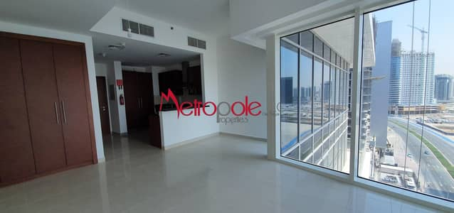 Studio for Rent in Business Bay, Dubai - Bright Studio | Golf View | Flexible Payment