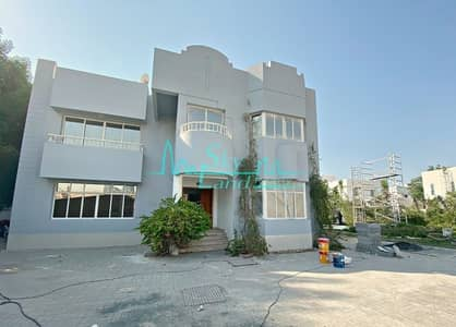 4 Bedroom Villa for Rent in Jumeirah, Dubai - Lovely 5 Bed Villa With A Private Pool And Garden