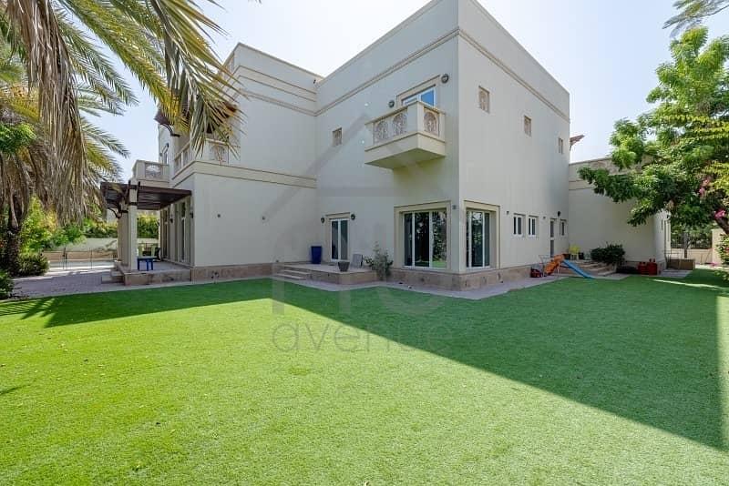 2 Modern | 5 Bedroom | Private Pool