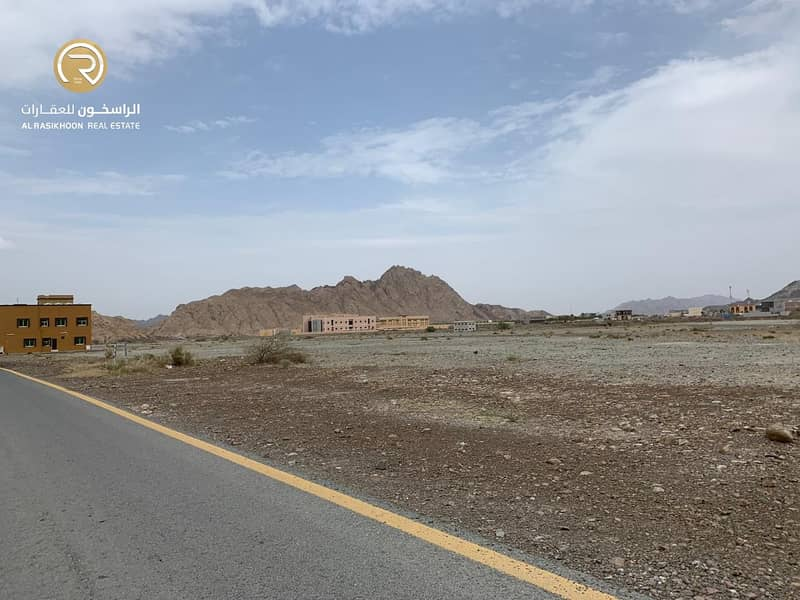 For sale commercial land on the main street, Gulfa