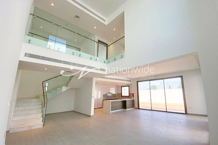 2 An Expansive Villa with Balcony and Parking