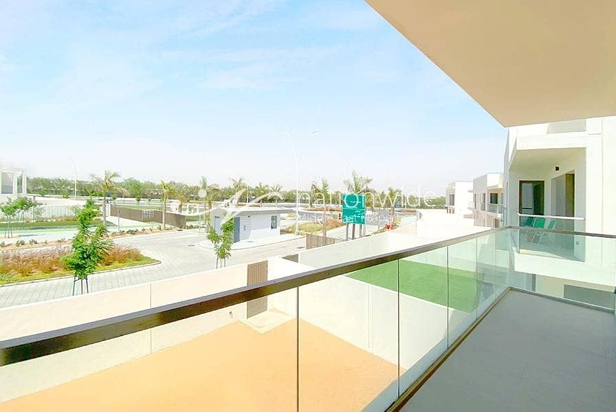 13 An Expansive Villa with Balcony and Parking