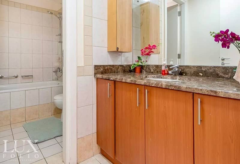10 7% ROI |Upgraded|Maids Room|Closed Kitchen