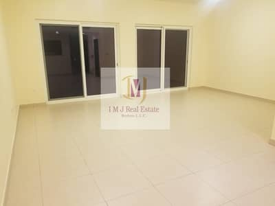 3 Bedroom Townhouse for Rent in International City, Dubai - Unfurnished 3 Bedroom