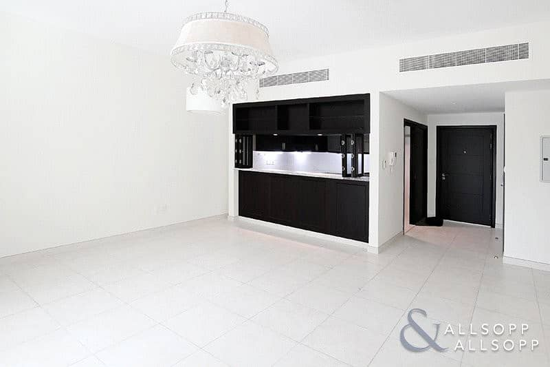 2 2 Bedrooms | Chiller Free | Pool and Gym