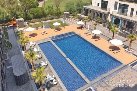 Luxurious 2 Bedroom | Pool View | Upgraded